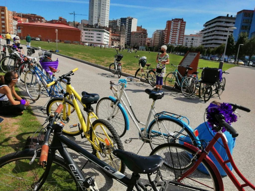 Recorrido feminista en bici. Movilidad y género